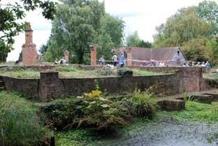 This Is Local London: CHISLEHURST: Scadbury Park dig welcomes moated manor enthusiasts
