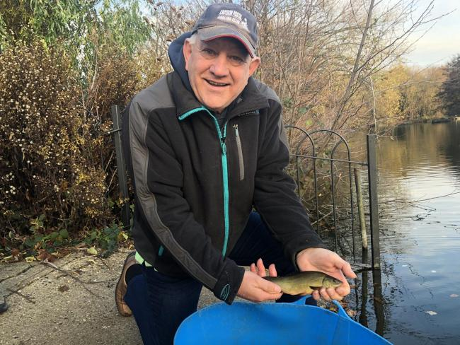 Generous donation brings one thousand fish to South Norwood Lake