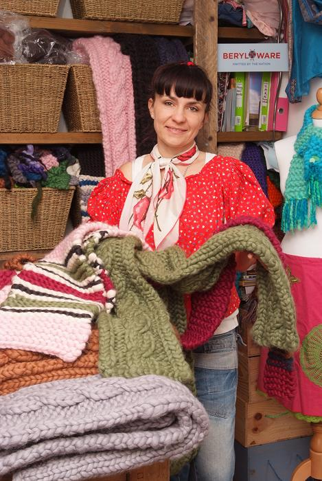 Knitting mum breaks into retail on BBC show