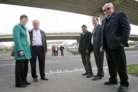 GLA candidate Caroline Pidgeon, Cllr Richard Hoskins, Cllr Ian Bond, Cllr Gwyneth Deakins, Brian Mazeon, Irean Mustafa, Chris Maines and Tony Loffhagen are angry at lack of funding form TfL for a dangerous crossing