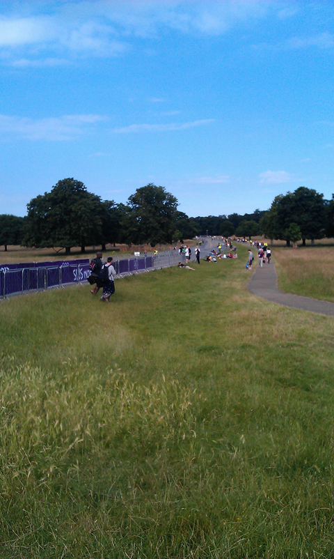 Richmond Park crowds building for road race