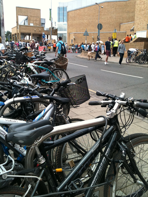 Bikes in Kingston during road race