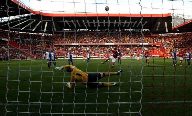 Paul Robinson saves Johnnie Jackson's penalty. PICTURES BY EDMUND BOYDEN.