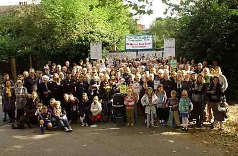 Blackheath Cator Estate unites against Huntsman housing project 'danger' road