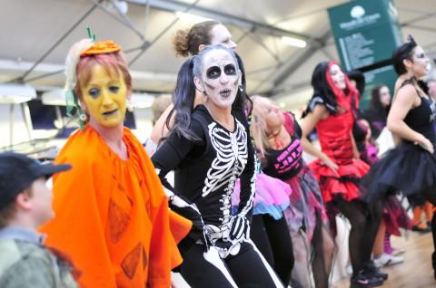 Woodcote Green Garden Centre's spooky zoo raises £5,000 for The Children's Trust