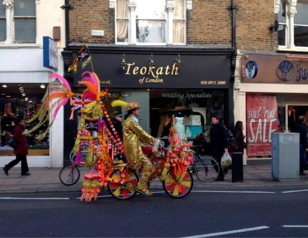 Mystery multicoloured cyclist spotted in Wimbledon