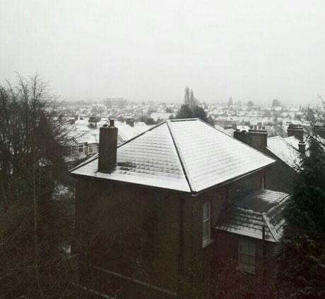 Snow on rooftops in Penge. Photo by Julie Whitney