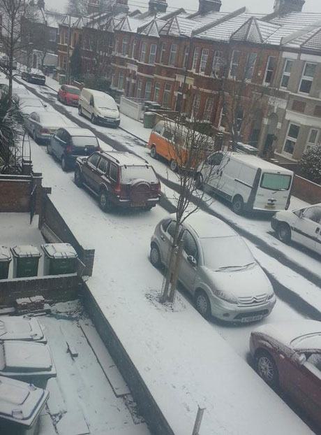 This Is Local London: Snow in Plumstead