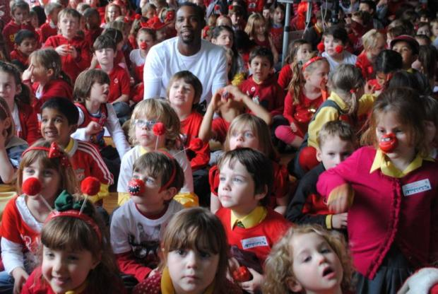 Phillips Idowu met children at Coopersale Hall School to talk about his Comic Relief fundraising trip