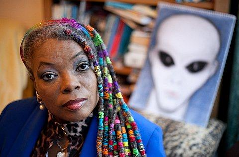 Aliens known as Reptilians and Grays have been communicating with Stephany Cohen about the economy and Arsene Wenger.