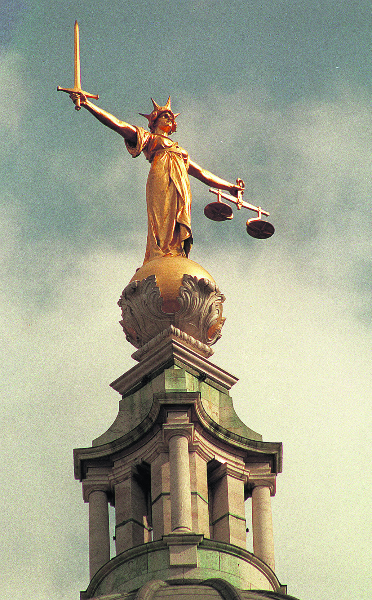 Benefit fraudsters from Epsom plead guilty