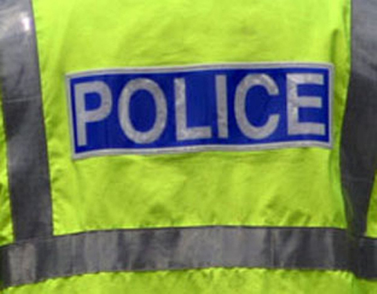 Swanley pensioner tricked by thieves impersonating police men