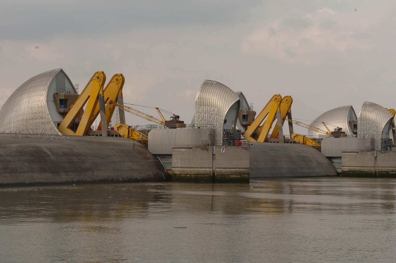 Thames Barrier to close as more flooding predicted