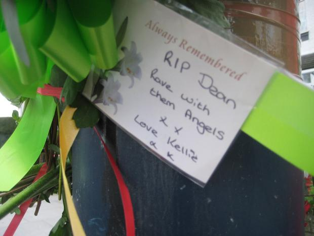 This Is Local London: A note left at the scene of the crash