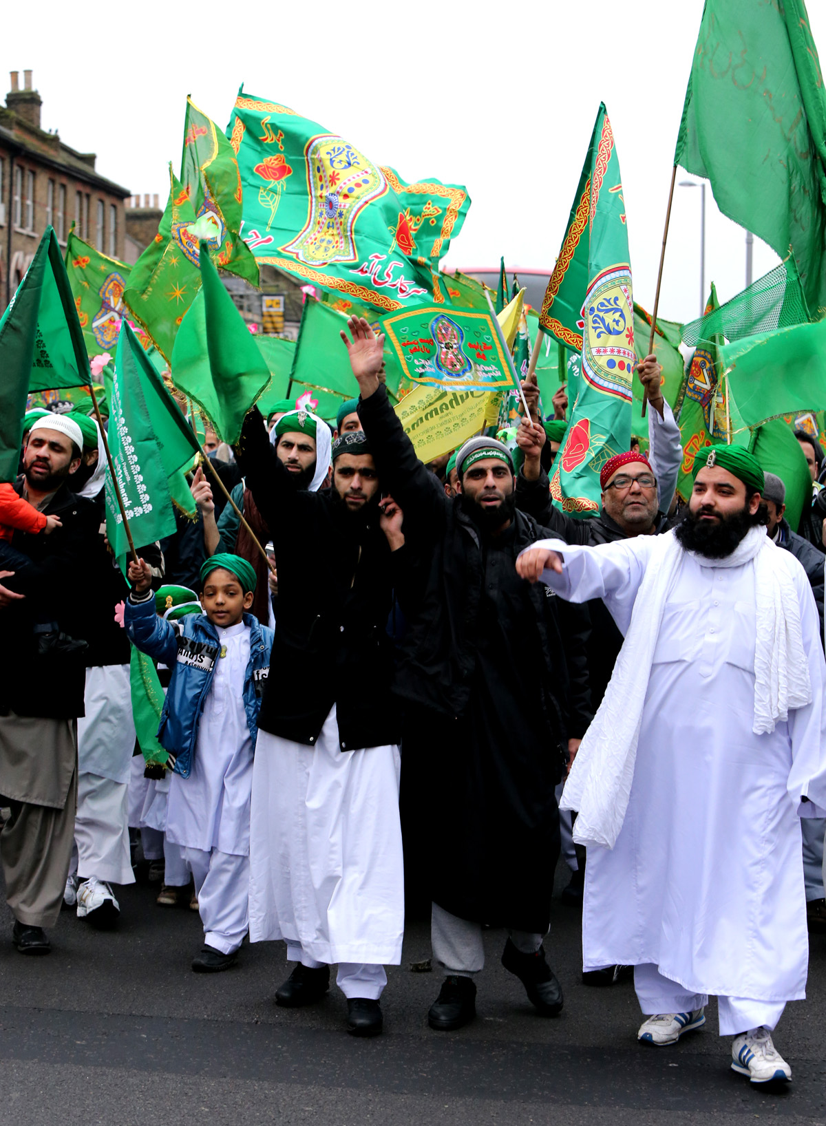 Thousands celebrate birth of Prophet Mohammad