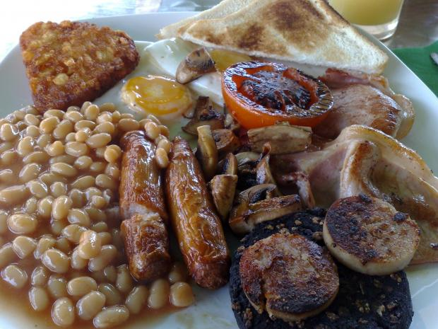 Which ingredient in a traditional English breakfast do you like the least?