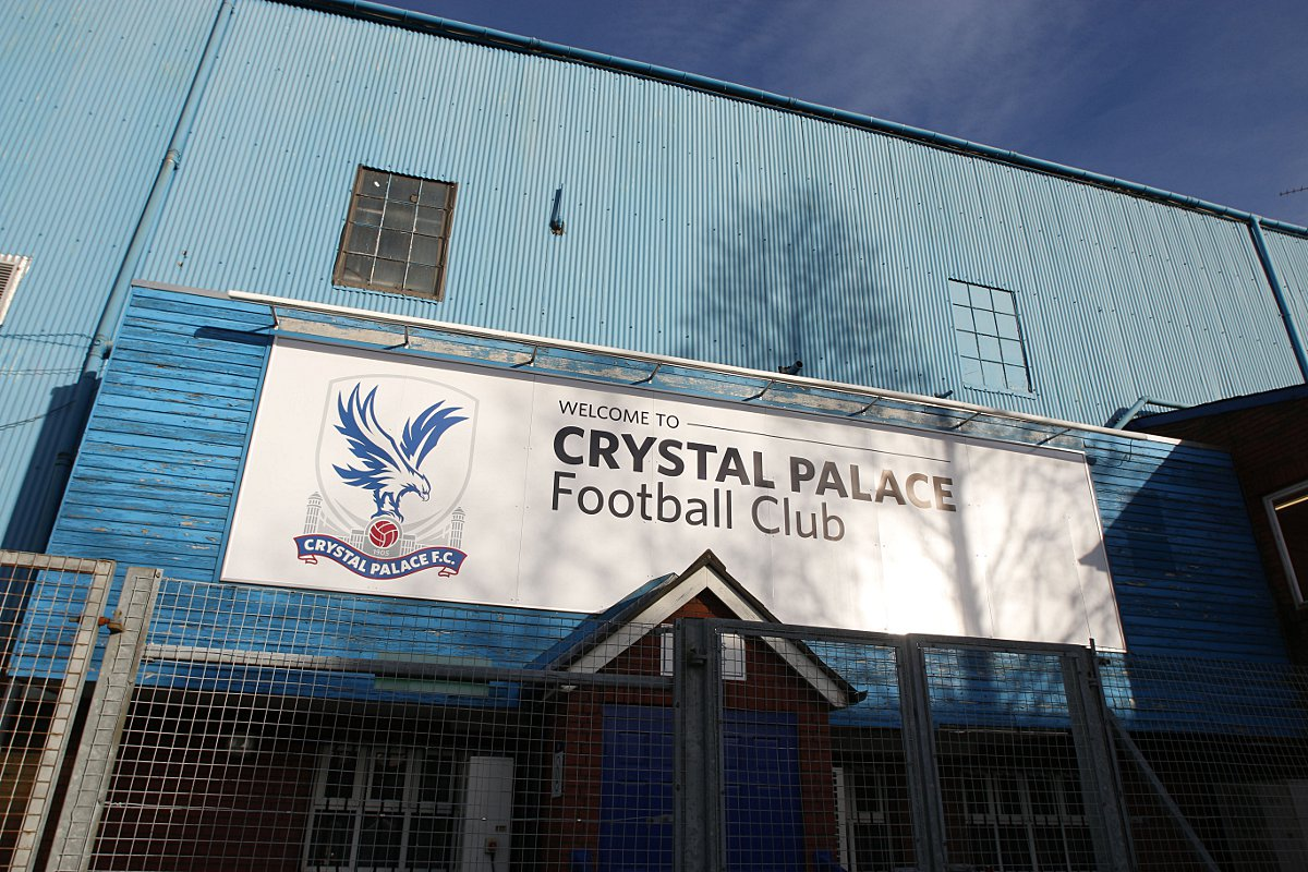 Crystal Palace take on Liverpool at Selhurst