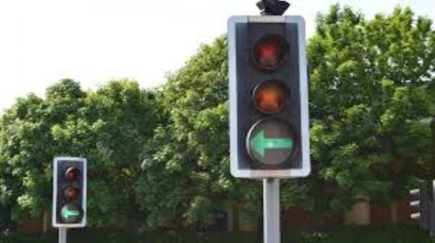 Not working: Traffic lights are off on Kew Bridge