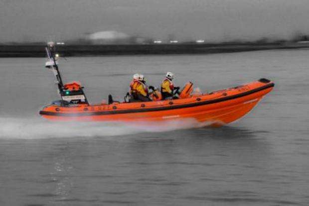 A man in his thirties was pulled from the mud on the banks on the River Thames by Gravesend RNLI life boat crews on Friday night.