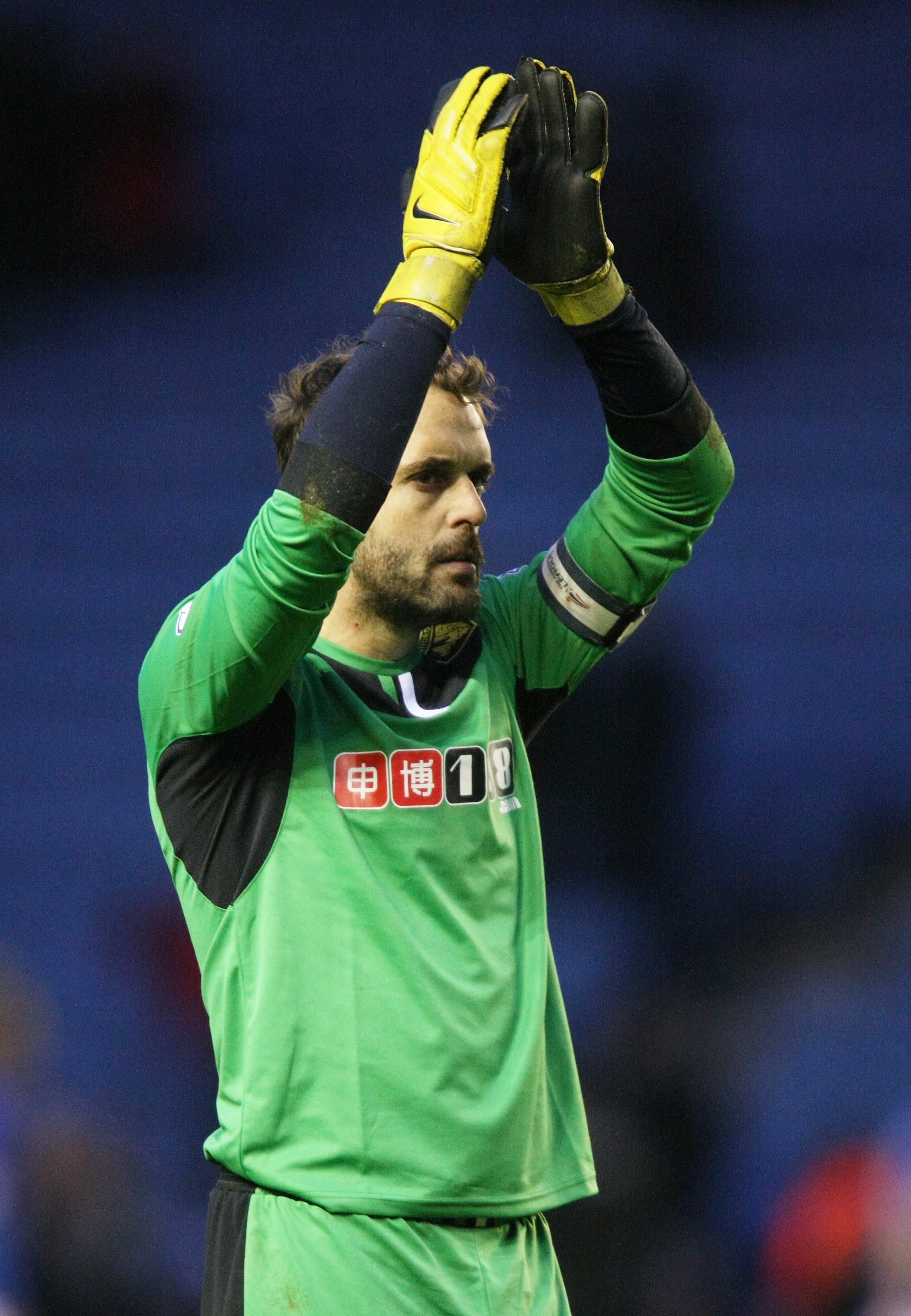 Manuel Almunia applauds the Watford fans after the match at Leicester City. Picture: Action Images