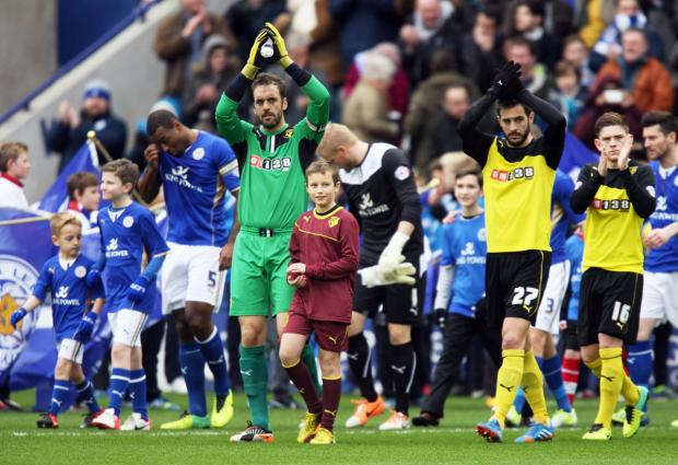 Manuel Almunia applauds the Watford fans before Saturday's game at Leicester City. Picture: Action Images