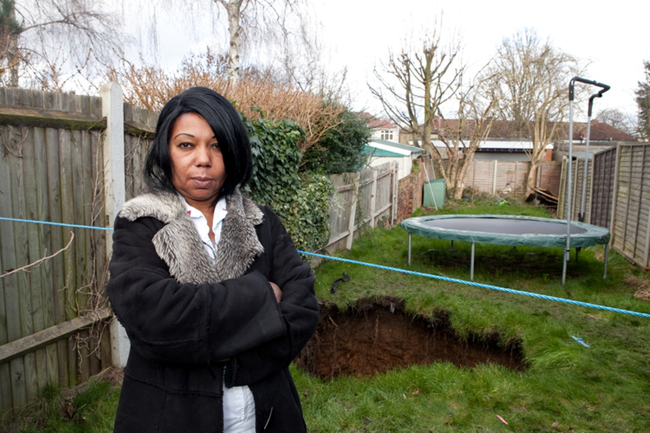 Giant sinkhole opens up in Barnehurst back garden