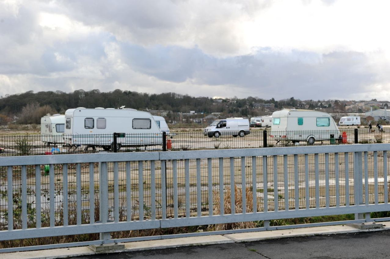 UPDATED: Travellers pull up on land near Tesco.com centre in Erith