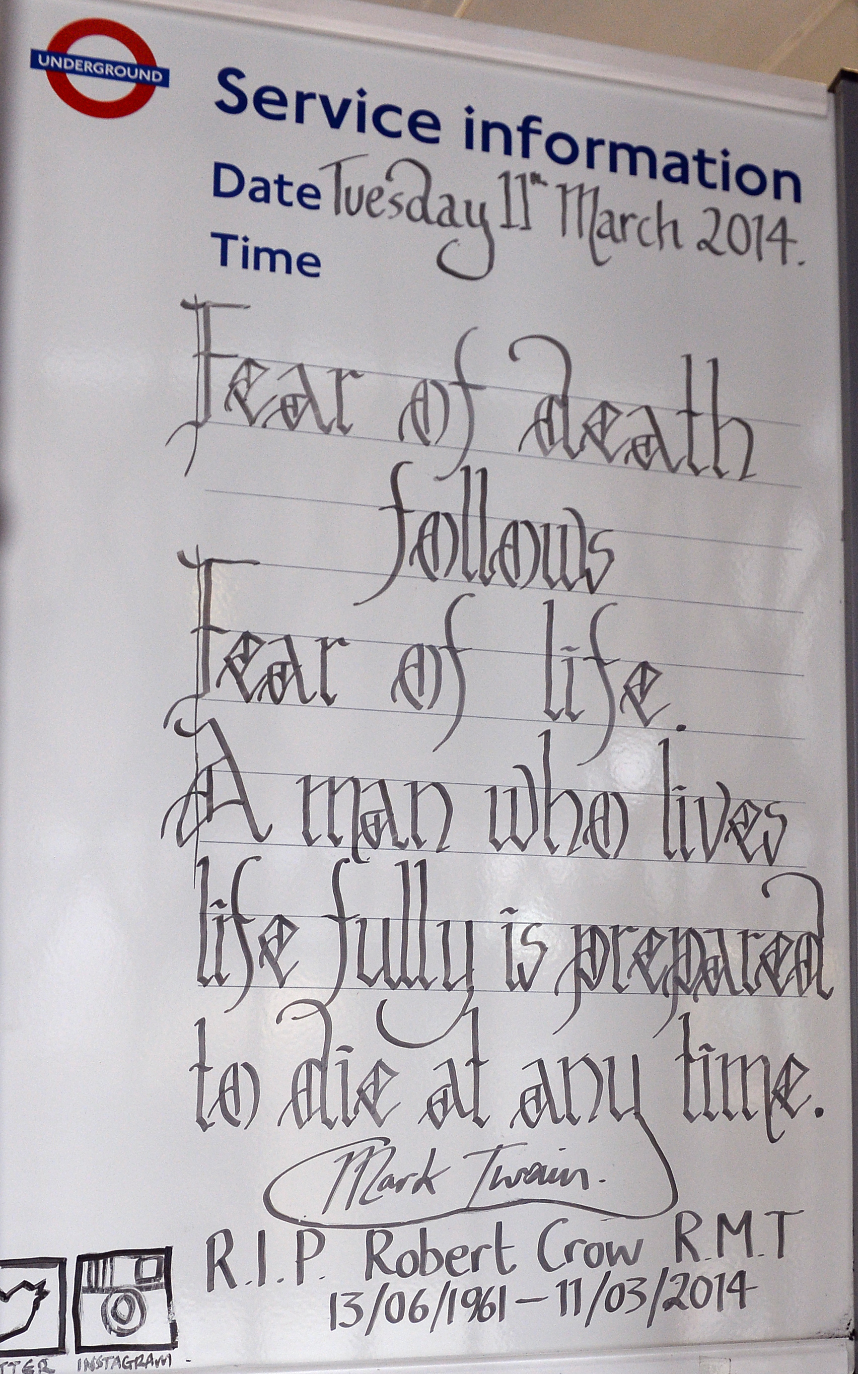 London Underground staff pay tribute to Bob Crow with sign at Covent Garden tube station
