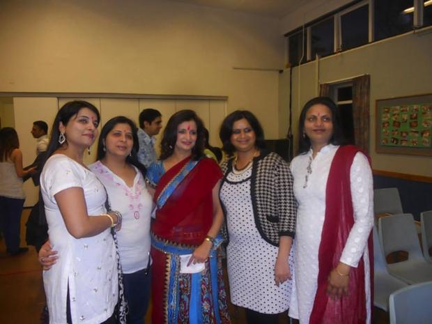 Mums hold Holi celebration
