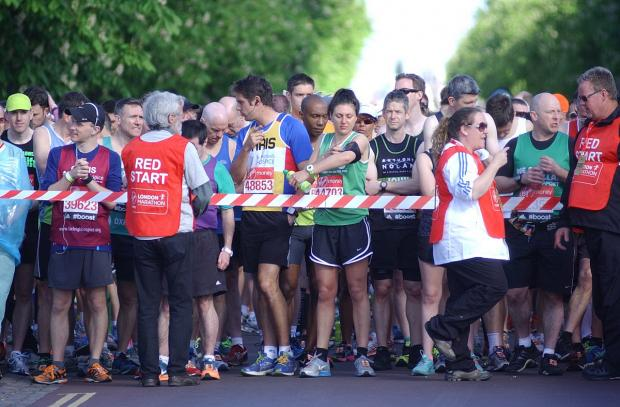 This Is Local London: PICTURED: London Marathon 2014 runners through Greenwich borough