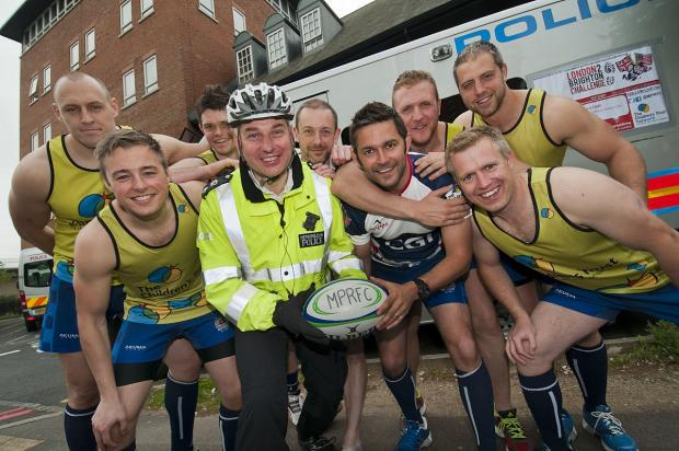 Met Police Rugby runners with Sutton's borough commander Detective Chief Superintendent Guy Ferguson