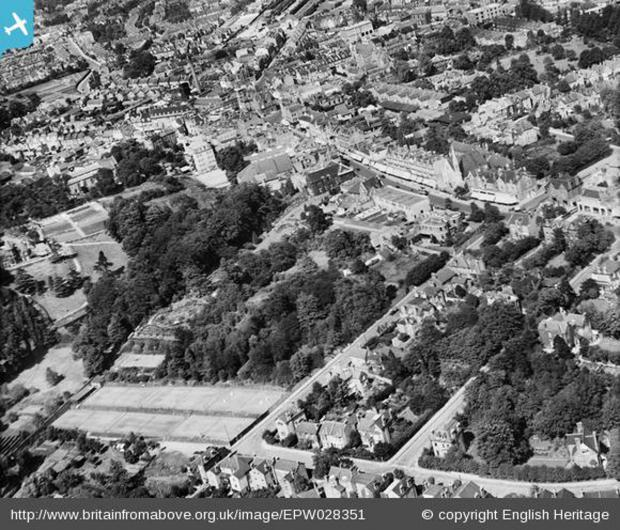 Church House Gardens and the town centre, Bromley, 1929. Photo from English Heritage