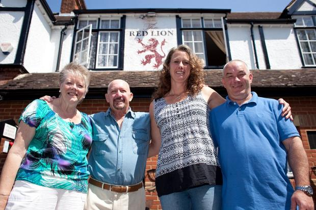 This Is Local London: Yvonne Marsh (67), Terry Marsh with new pub licensee Wendy Stokley and her partner Mark Usher