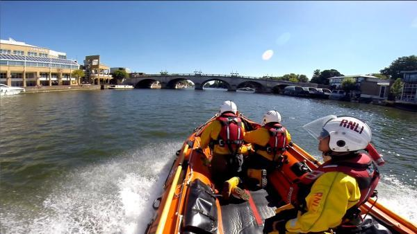 Teddington RNLI will carry out the training mission at Kingston Bridge