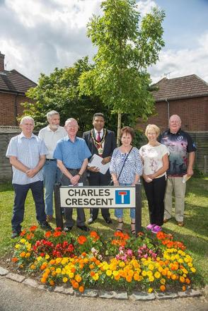 Judges tour gardens for Estates in Bloom competition