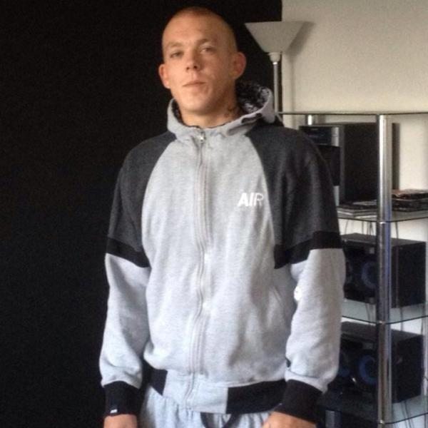 Tributes to Lee Green builder Alex Scott murdered 'in row over cigarette'