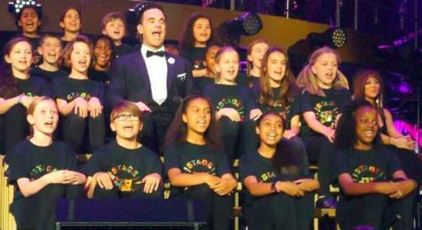 Wow: Stagecoach kids with Robbie Williams