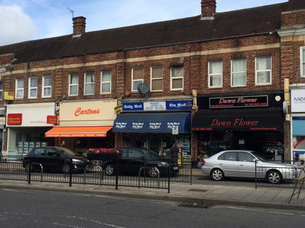 Borough commander praises traders after man sla