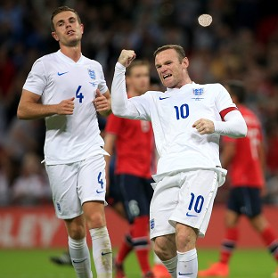 Hodgson defends lacklustre England