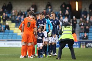 10-man Millwall earn draw with Reading