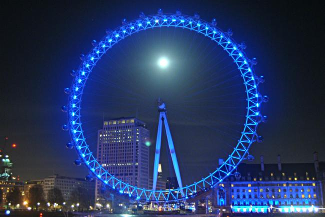 Londoners will get to see a blue moon tonight, except it won't really be blue. Photo by Loco Steve