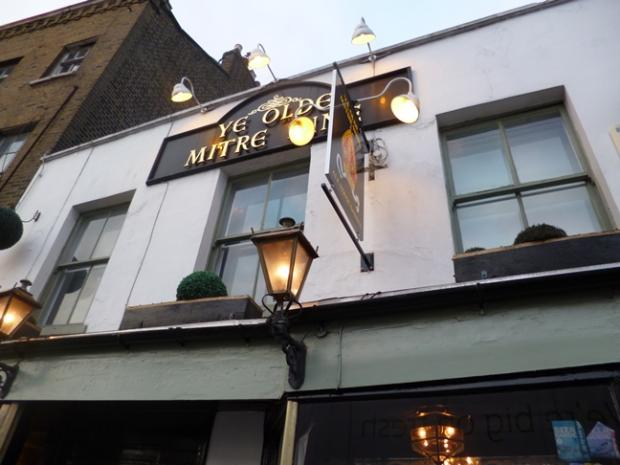 This Is Local London: Ye Olde Mitre Inn, High Barnet