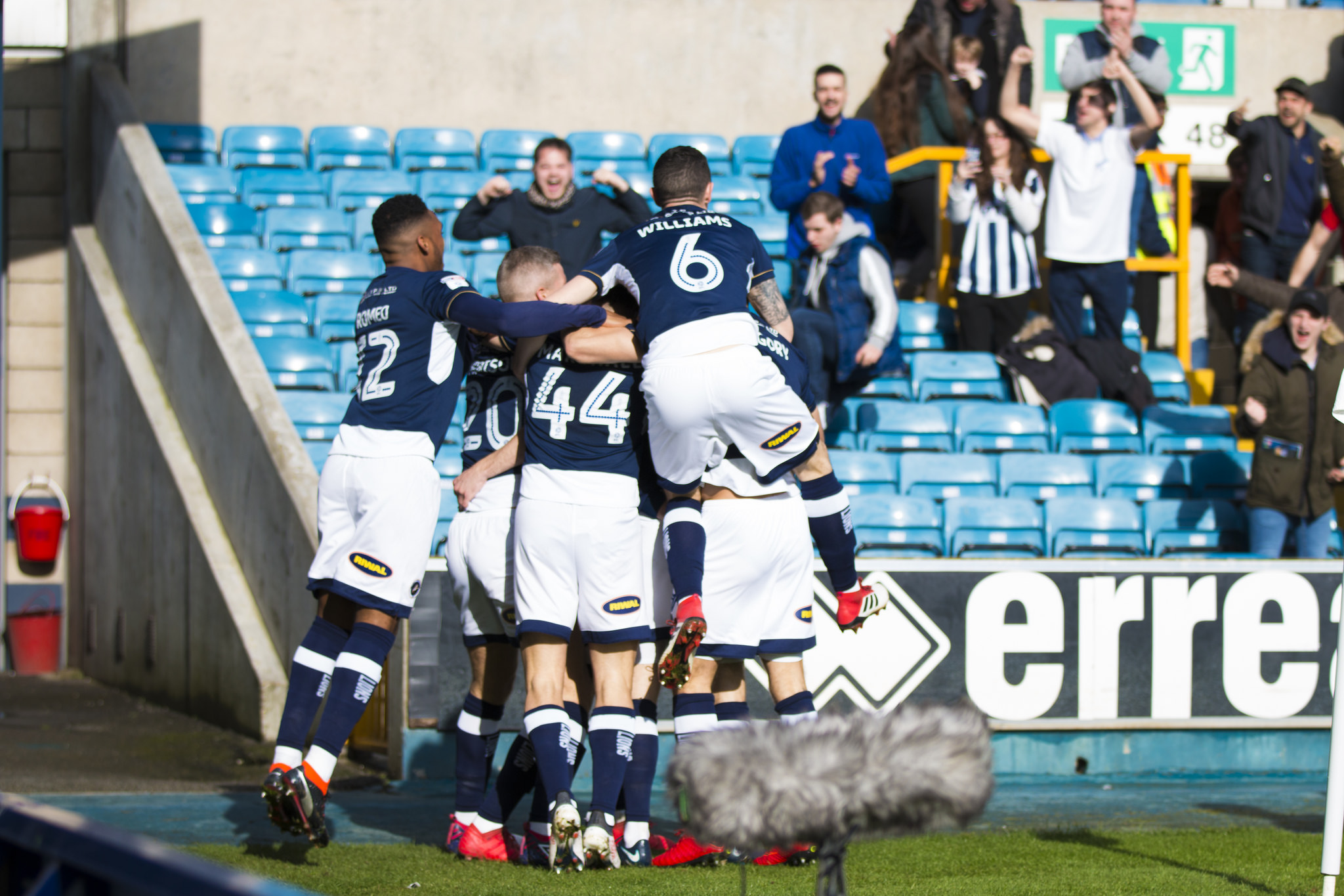 Millwall players celebrate against Brentford | Picture: Benjamin Peters Photography