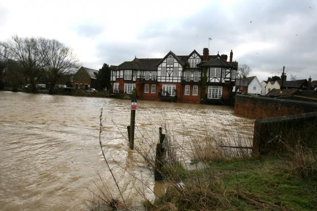 Flooding on the River Roding at Abridge