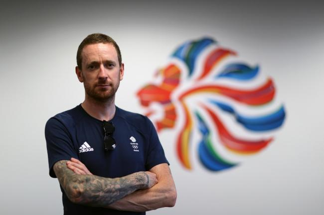 Five-time Olympic champion cyclist Sir Bradley Wiggins is to take a theatre tour of the UK with his own live show
